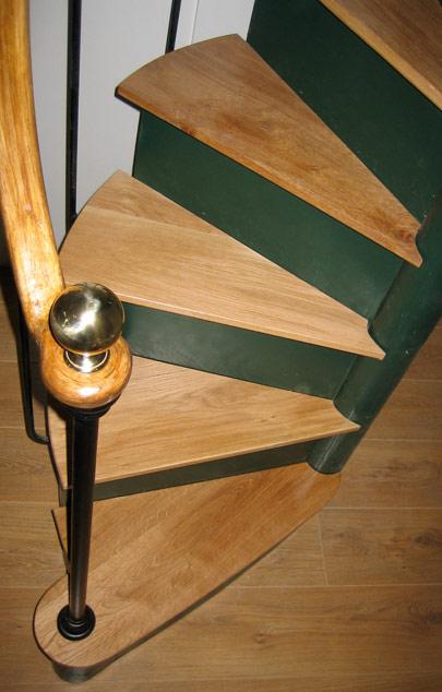 escaliers en colima on escaliers de bistrot sur mesure r dit s. Black Bedroom Furniture Sets. Home Design Ideas